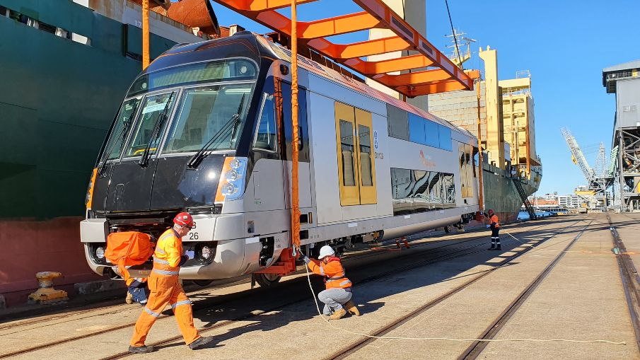 New Waratah Series 2 trains arrive at the Port of Newcastle